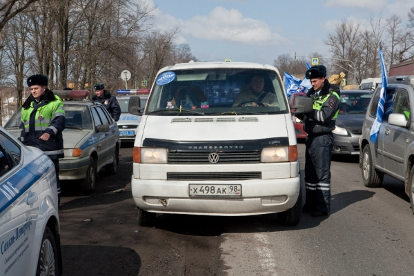 Photo of ОМОН предотвратил автопробег в поддержку дальнобойщиков под Петербургом