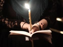 Женщина сгорела из за церковных свечей в Новосибирске