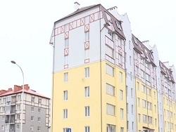 Photo of Малыши выжили, упав с восьмого этажа. Одного из них спас прохожий