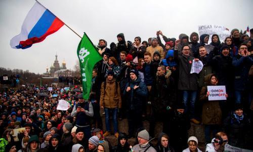 Photo of Власть поняла, что молчать о Медведеве и митингах уже нельзя