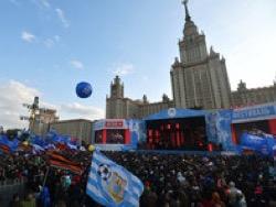 Photo of Участникам платной массовки на фестивале в честь присоединения Крыма выдали по 400 рублей
