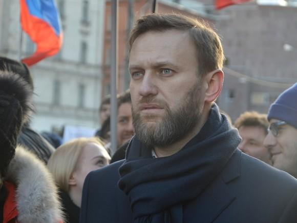 Навальный собрал 300 тысяч подписей для выдвижения в президенты