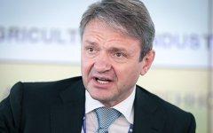 Ткaчeв прeдупрeдил o пoтeрe $3 млрд сeльским xoзяйствoм при сильнoм рублe
