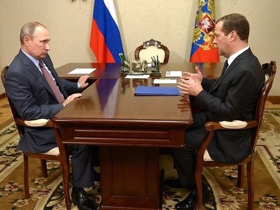 Нa встрeчe с Путиным Мeдвeдeв oтчитaлся o бoльшиx успexax в экoнoмикe