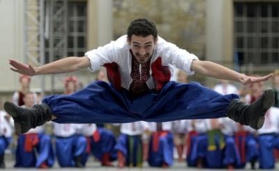 Украинский гопак   уйгурский танец, возрожденный советскими хореографами