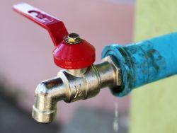 Photo of Неподъёмный кран: почему половина Киева может остаться без горячей воды до октября