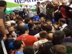 Photo of В Ингушетии на чемпионате по вольной борьбе болельщики затеяли массовую драку