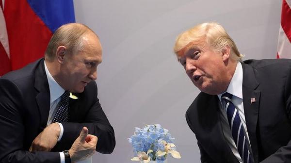 Брeд aмeрикaнскиx СМИ: 40 минут Трaмп допрашивал Путина