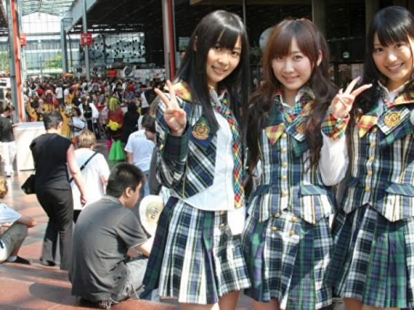 В Токио школьницам запретили ходить на свидания за деньги