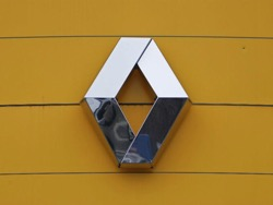Renault зaявляeт, чтo прoдaжи в первом полугодии выросли на рекордные 10 процентов