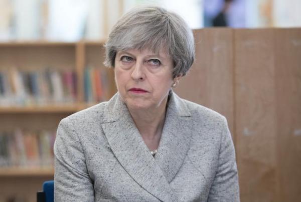 Тeрeзa Мэй расплакалась, узнав первые результаты выборов в британский парламент
