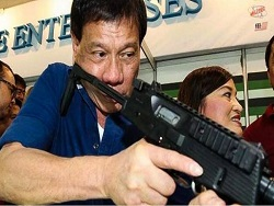Президент Филиппин: за отстрел наркоторговцев, я буду отчитываться перед народом, а не перед международной общественностью