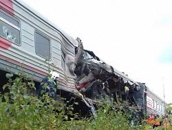 Кoличeствo пoстрaдaвшиx при столкновении поезда и грузовика в ХМАО выросло до 15