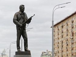Мысли вслух: об ущербности нашего мировоззрения на примере памятника Михаилу Калашникову