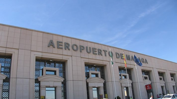 Photo of Застрявшие в Испании украинские туристы вынужденно купили билеты домой по 1700 евро