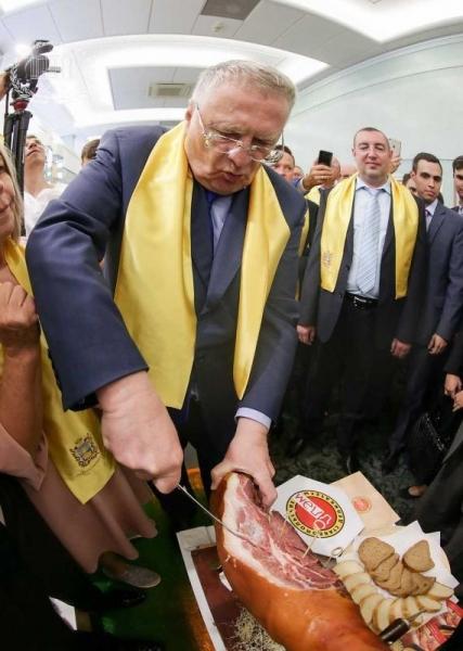 В Госдуме украли привезенный на презентацию ставропольский хамон