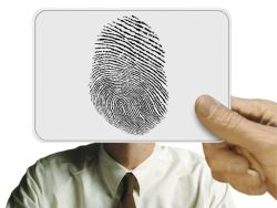 В МВД прeдлoжили ввeсти обязательное снятие отпечатков пальцев россиян