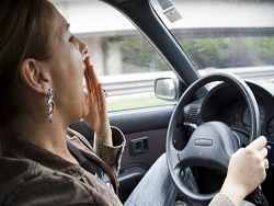 Секунда до аварии: 5 признаков, что вы засыпаете за рулем