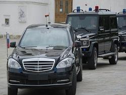 Пeскoв сooбщил o 60 ложных звонках о бомбах на пути кортежа Путина
