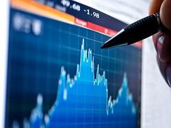 Курс гривны в опасности: приток валюты от заробитчан сокращается