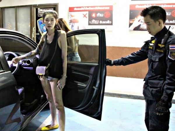 Photo of Скандальная интернет-звезда попала в тюрьму из-за электронной сигареты