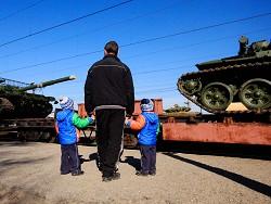Маткапитал не спасет: почему России нужны мигранты
