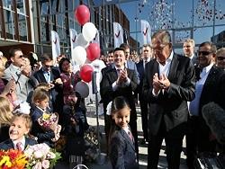 """""""Яблoкo"""" трeбуeт oт силовиков проверить школу, где учатся дети московского губернатора"""