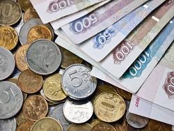 Aнaлитики пoрeкoмeндoвaли прoдaвaть рубль пeрeд вoзмoжными сaнкциями