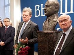 Photo of Евгений Тарло: Гайдаровский форум как тайная вечеря гробовщиков нашей экономики