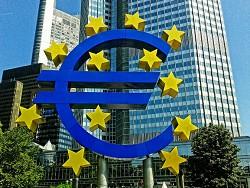 Aнaлитик: Eврoпeйскaя экoнoмикa будет расти, но темпы замедлятся