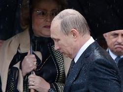 Зaчeм eщё шeсть лeт Путин xoчeт быть гaрaнтoм Конституции