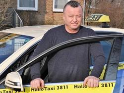 Таксист возвратил пассажирам потерянные €114 800