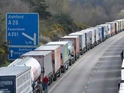 Слабый фунт и дорогая нефть: британская экономика погрязла в импорте