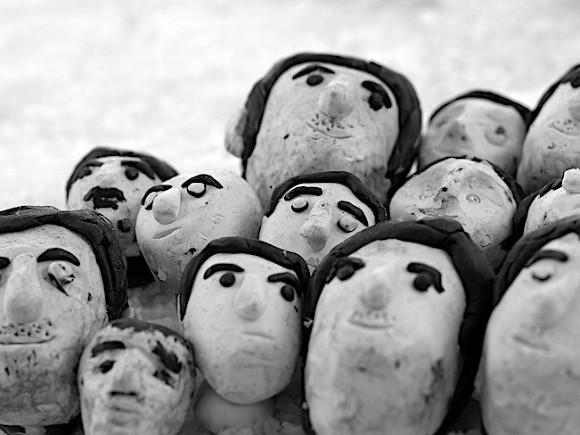 Photo of Как выживает пластилиновый народ