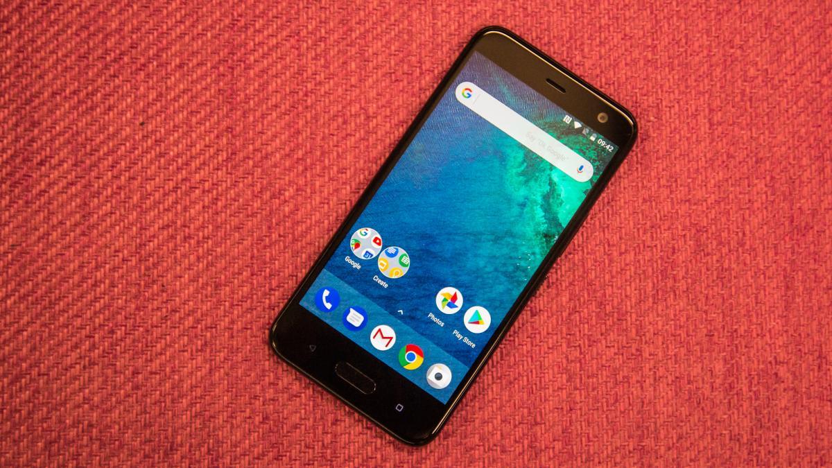 Photo of HTC U11 Life — элегантный смартфон среднего уровня с Hi-Res звуком