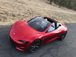 Tesla Roadster 2 тестируют на треке во Фримонте