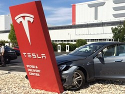Tesla Model 3 улучшат после суровой аварии