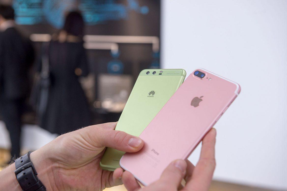 Photo of Согласно опросам, китайцы предпочитают Huawei за место Apple