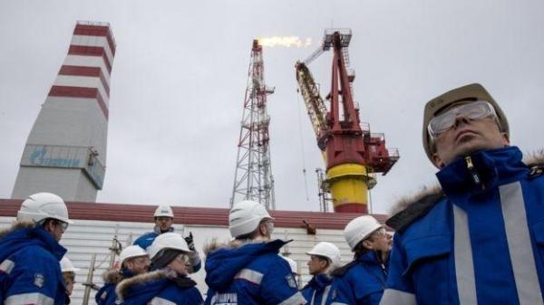 """""""Кольцо анаконды"""": когда санкции ударят по российским нефтяникам"""