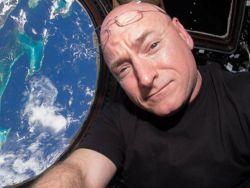 Нет, после года в космосе у Скотта Келли не поменялась ДНК
