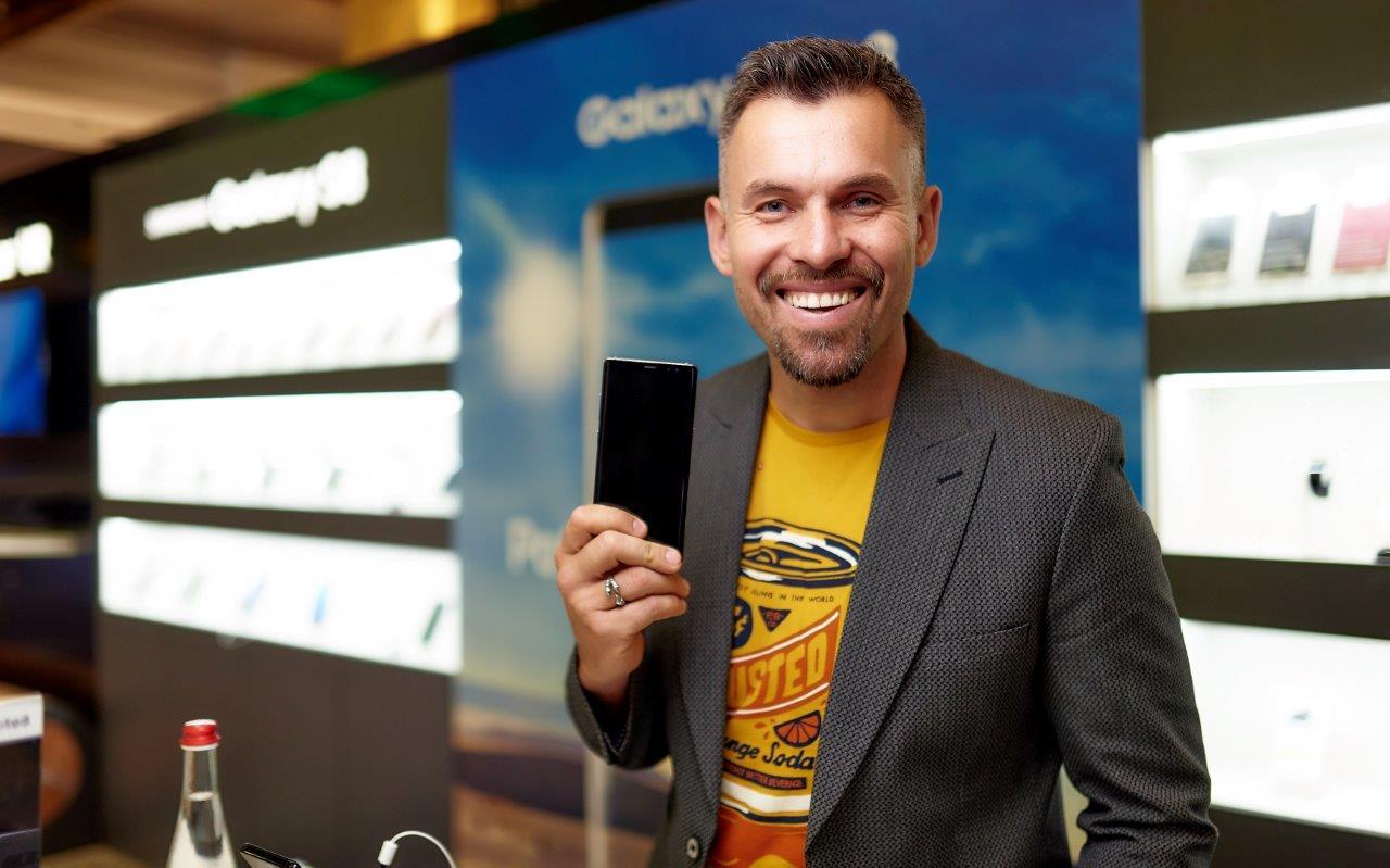 Photo of «Samsung Electronics Украина» докладывает о старте продаж флагманского телефона Galaxy Note8
