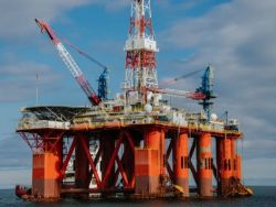 Кольцо анаконды: когда санкции стукнут по российским нефтяникам