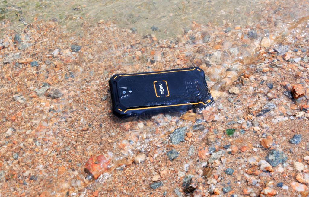 Nomu S10 Pro стал самым водонепроницаемым смартфоном