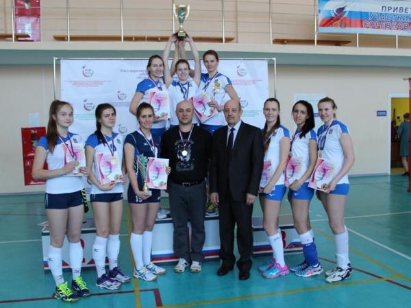 Photo of За победу на чемпионате Урала тюменским волейболисткам влетело от бюрократов
