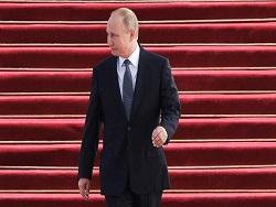 """Экономика России ставит под сомнение ставку Путина на """"прорыв"""""""