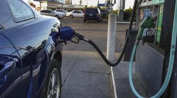 Photo of Ценам на бензин — расти! Правительство не даст в обиду нефтянников
