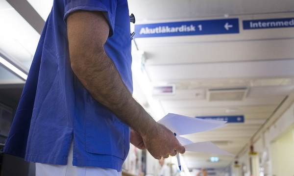 В Швеции врача уволили за сообщения в соцсети