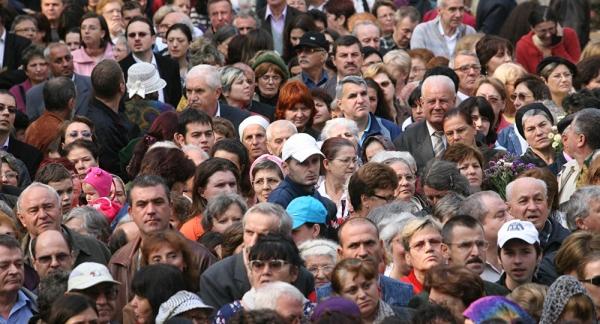 Напряженность в российском обществе выросла до уровня 1998 года