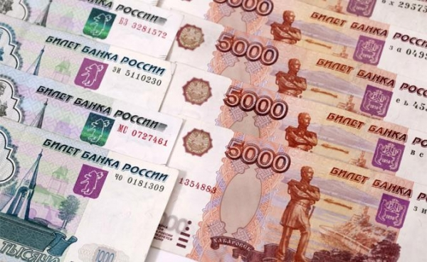 Олигархи прячут деньги подальше от нищей России