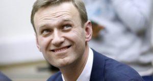 Как в ФБК создаётся культ личности Навального